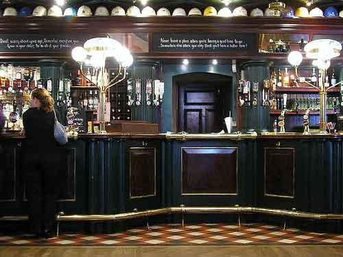 Si quieres conocer Inglaterra, tienes que conocer sus pubs.(Foto:@rgs/Creative Commons)