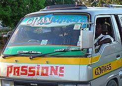 Los matatus de Kenya: transporte, música y porno 2