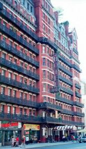 Hotel Chelsea ( Fuente: Wikipedia )