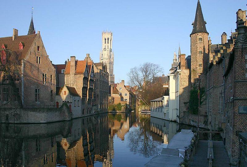 Brujas, Canal Rozenhoedkaai ( Fuente: Wikipedia )
