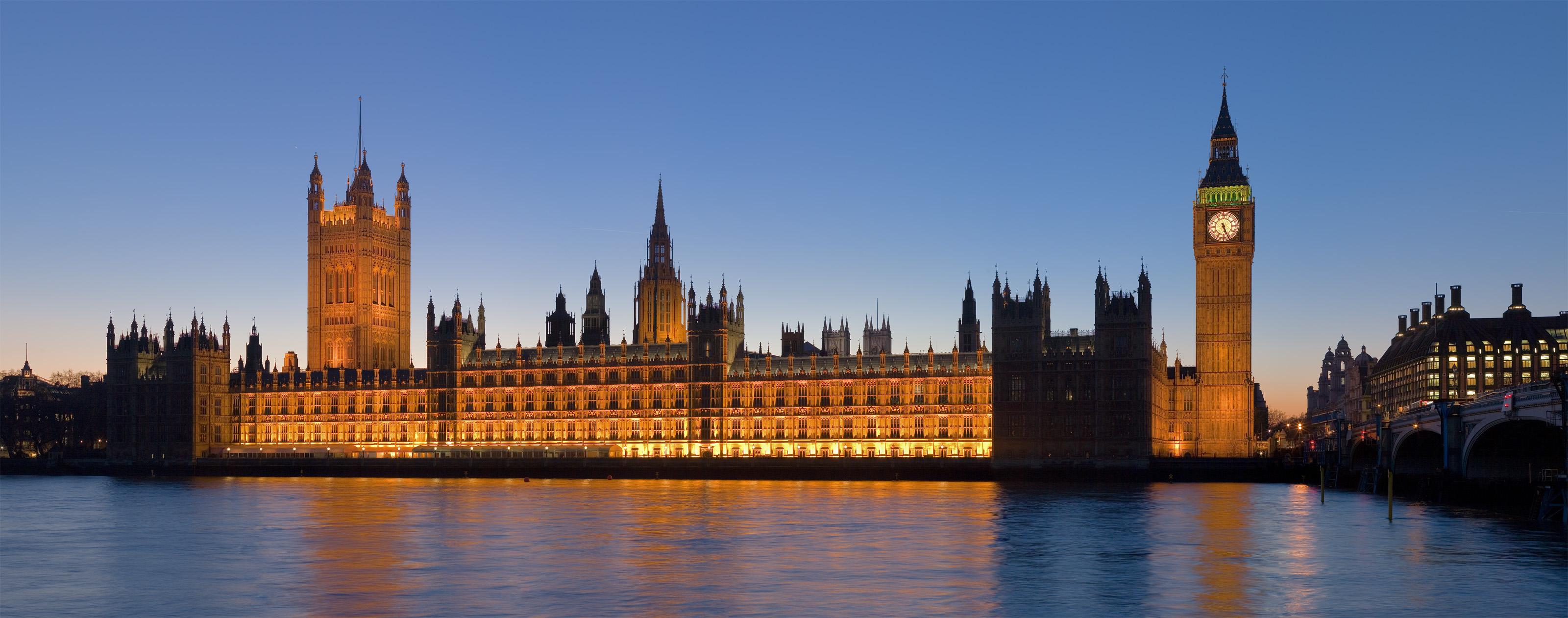 Palacio de Westminster, Londres ( Fuente: Wikipedia )