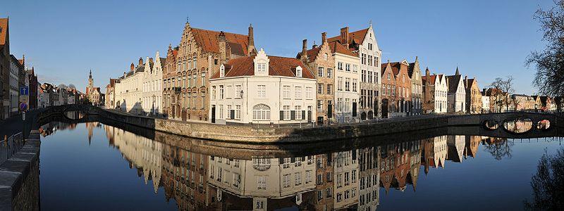 Brujas, Panorámica Canales Spiegelrei y  Langerei ( Fuente: Wikipedia )