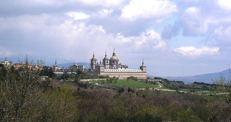 Monasterio de San Lorenzo de El Escorial ( Fuente: Wikipedia )