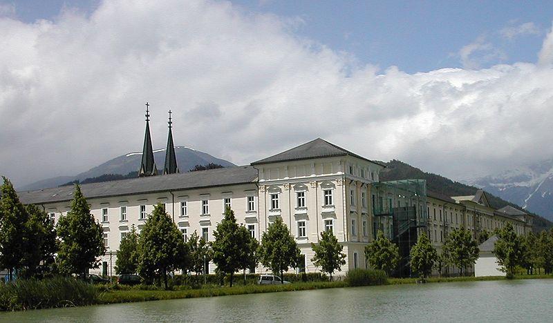Abadía de Andmont ( Fuente: Wikipedia )