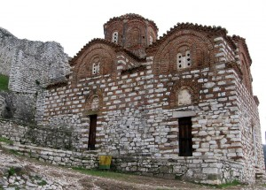 Iglesia Santa Trinidad S.XIII , Berati ( Fuente: skyscrapercity.com)