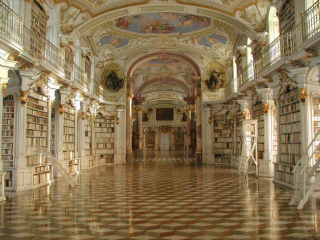 Biblioteca de la Abadía de Admont ( Fuente: Wikipedia )