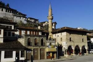Mezquita en Berat ( Fuente: panoramio.com )