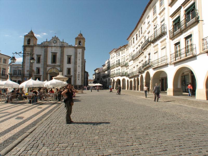 Plaza de Giraldo ( Fuente: wikipedia )