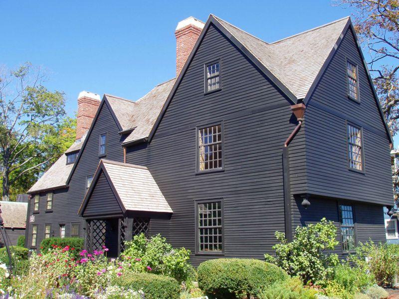 Casa de los Siete Tejados ( Fuente: Wikipedia )