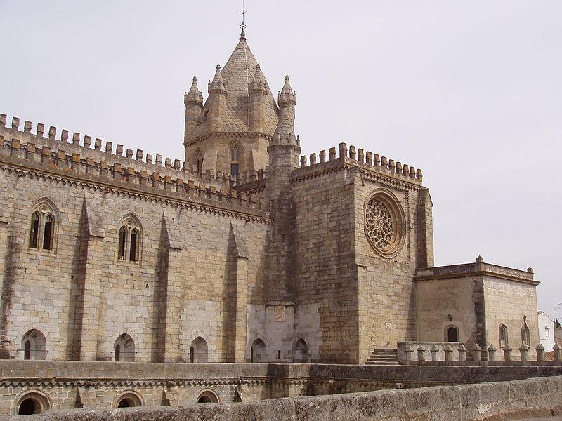 Catedral de Évora ( Fuente: wikipedia )