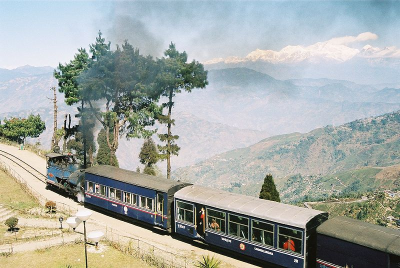 Ferrocarril del Himalaya ( Fuente: Wikipedia )