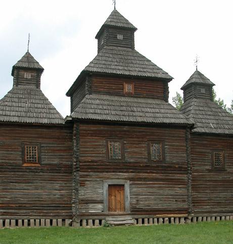 Iglesia en Madera, Museo de Pirogovo ( Fuente: wikipedia )
