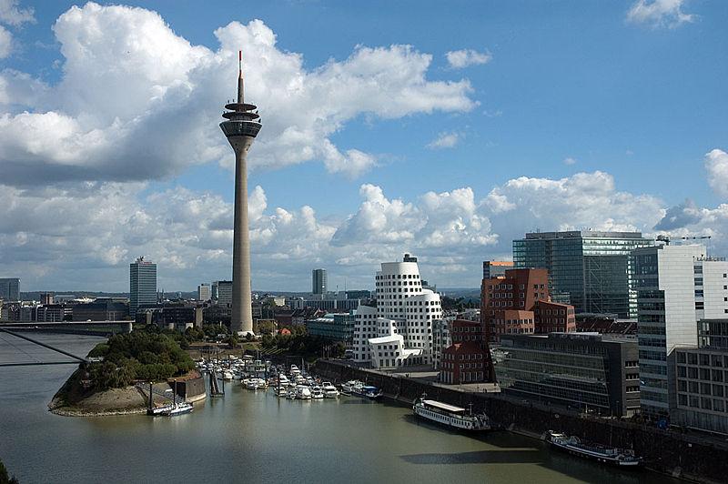 Destinian@s en Düsseldorf....  3