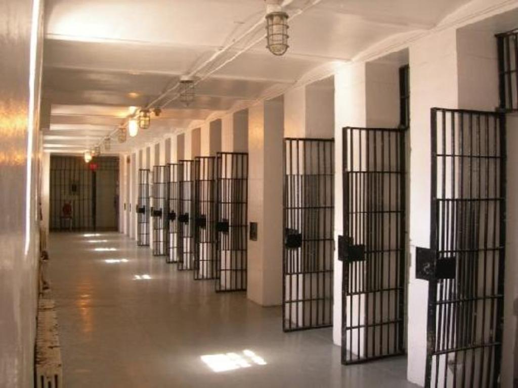 """Pasillo a las """"habitaciones-celda"""" en la Actualidad"""