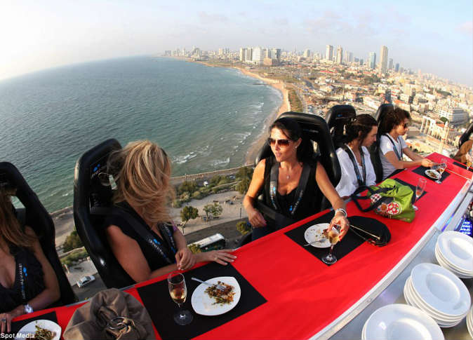مطاعم السماء فى مصر ... تناول وجبتك على ارتفاع 200 قدم 1