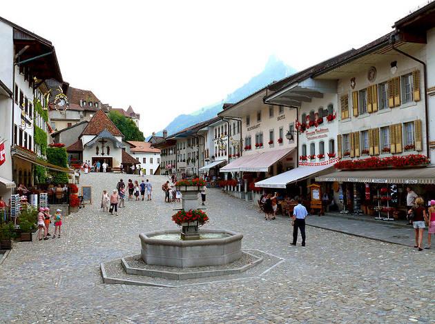 Viajar al pueblo con encanto de Gruyères, en Suiza