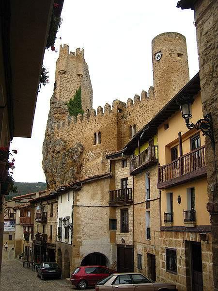 Viajar a Frías, un pueblo de encanto en Burgos