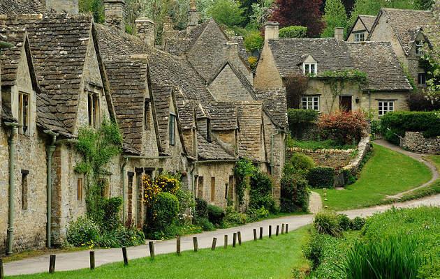 Viajar al pueblo con encanto de Bibury, en Inglaterra