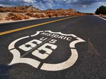 Vive la ruta 66 a lomos de una Harley-Davidson