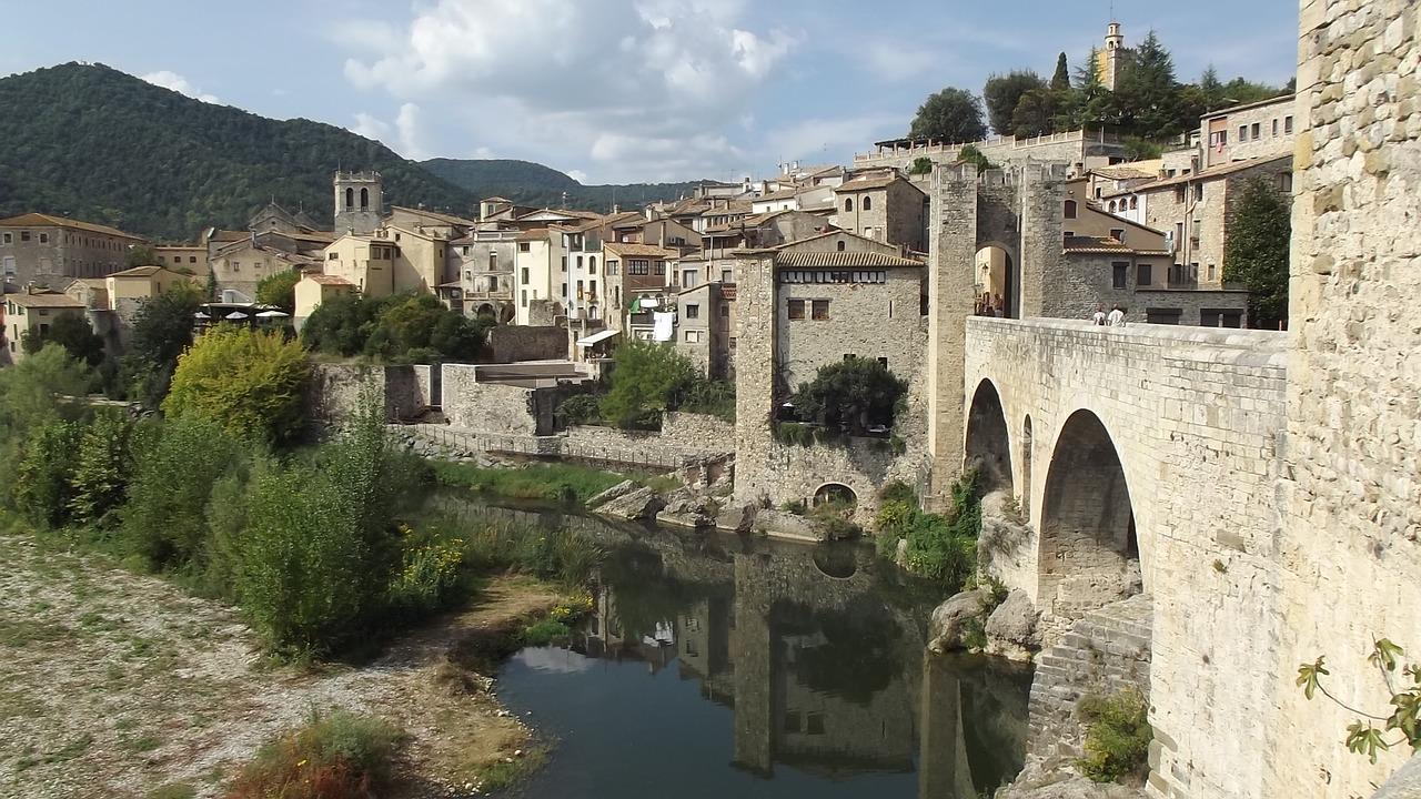 Localizaciones juego de tronos - Girona besalu juego de tronos