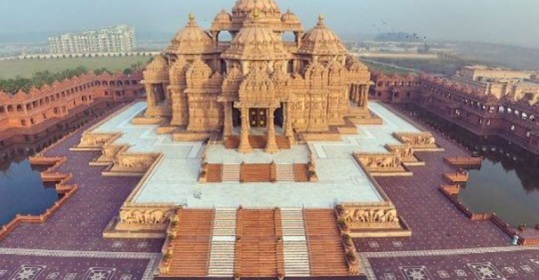 دليل سفرك إلي نيودلهي الهند