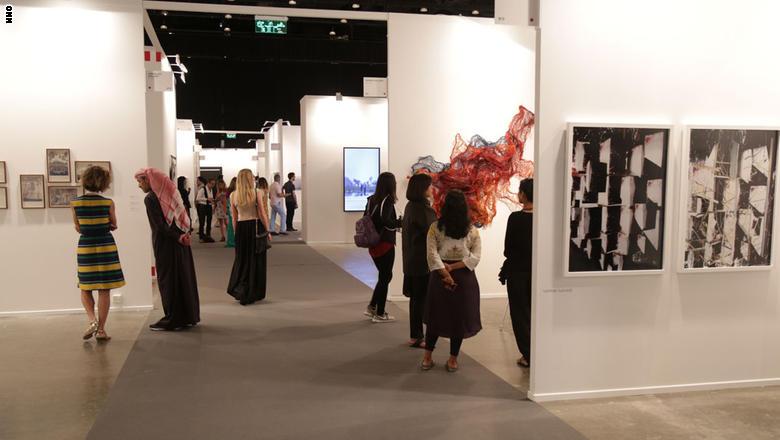 معرض الفنون الأكبر في الشرق الأوسط دبي آرت 1