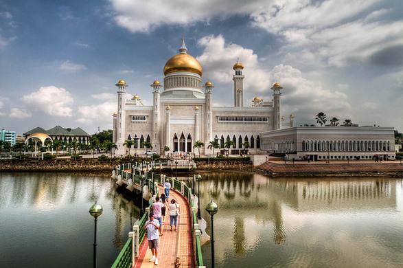 Omar Ali Saifuddin Mosque, Brunei