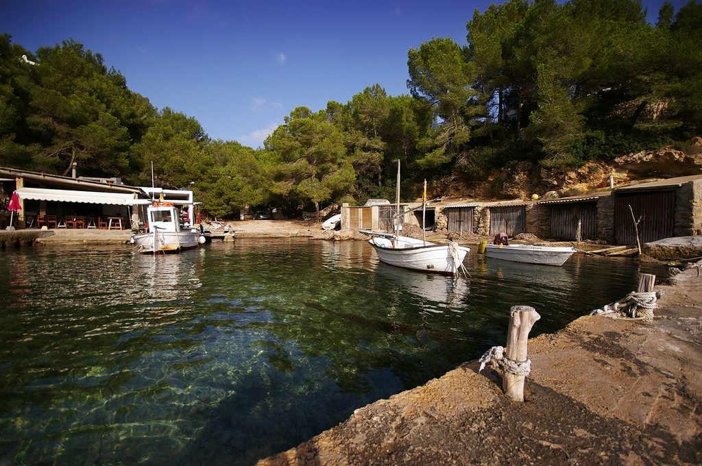 Chiringuitos-de-playa-Ibiza