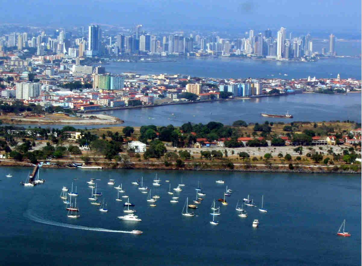Formas-de-entrar-en-el-año-nuevo-Panamá