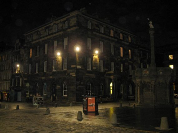 Ghost tours y hoteles para dormir ¡de miedo!