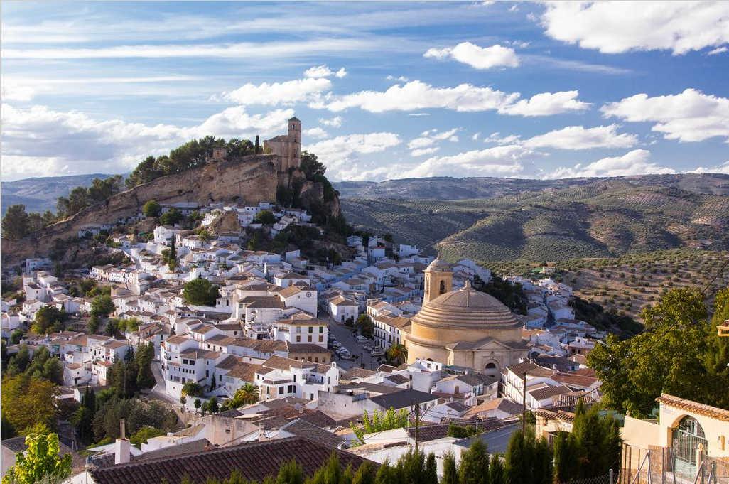 Pueblos-más-bonitos-de-España-Montefrío