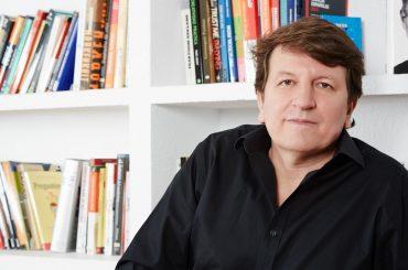 """De viaje con Javier Piedrahita, el """"muckracker"""" del sector publicitario"""