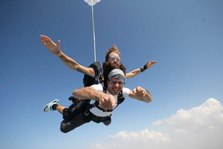 عمر سمرة المصري، أول مغامر بالعالم يتسلق 3 قمم جديدة في القارة القطبية 5
