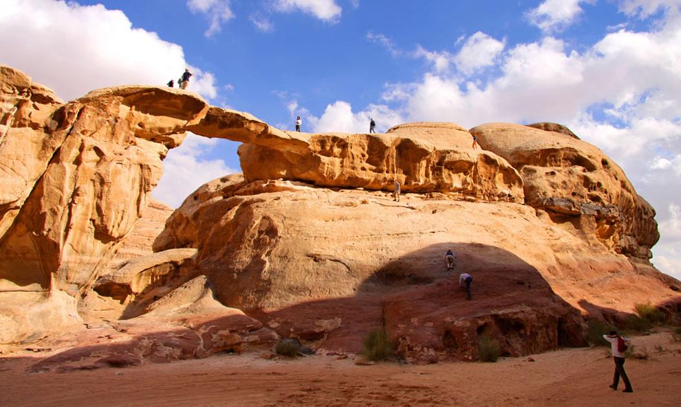 أفضل الأماكن للتخييم وتسلق الجبال بالوطن العربي 5
