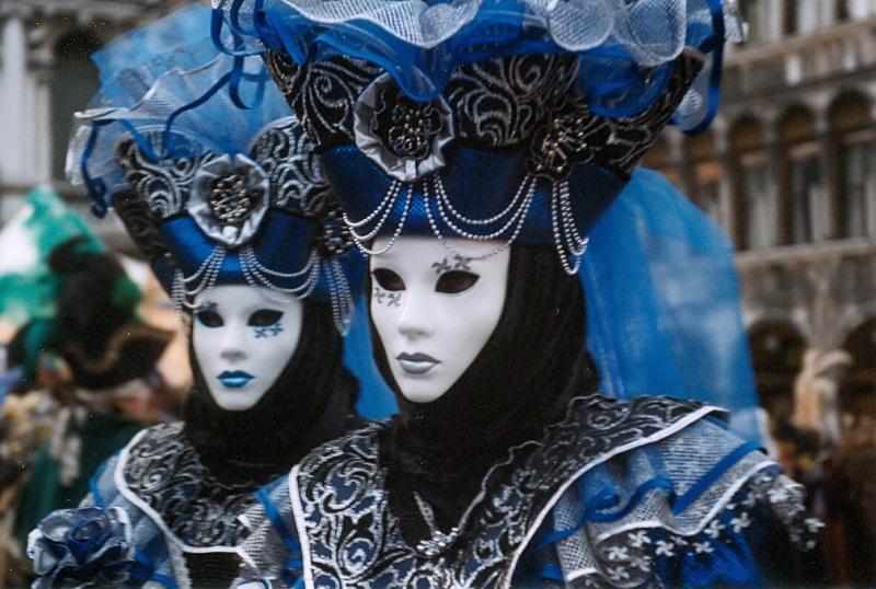 las-mascheras-nobiles-son-típicas-del-carnaval-de-venecia