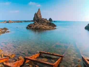 Almería en siete playas de aguas cristalinas