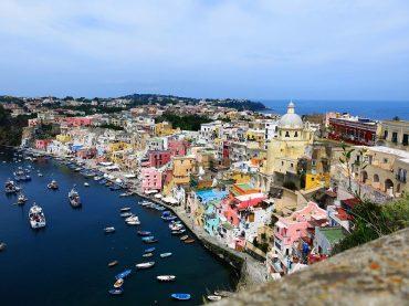 5 destinos de sol y playa inusuales (y baratos) para tu próxima escapada