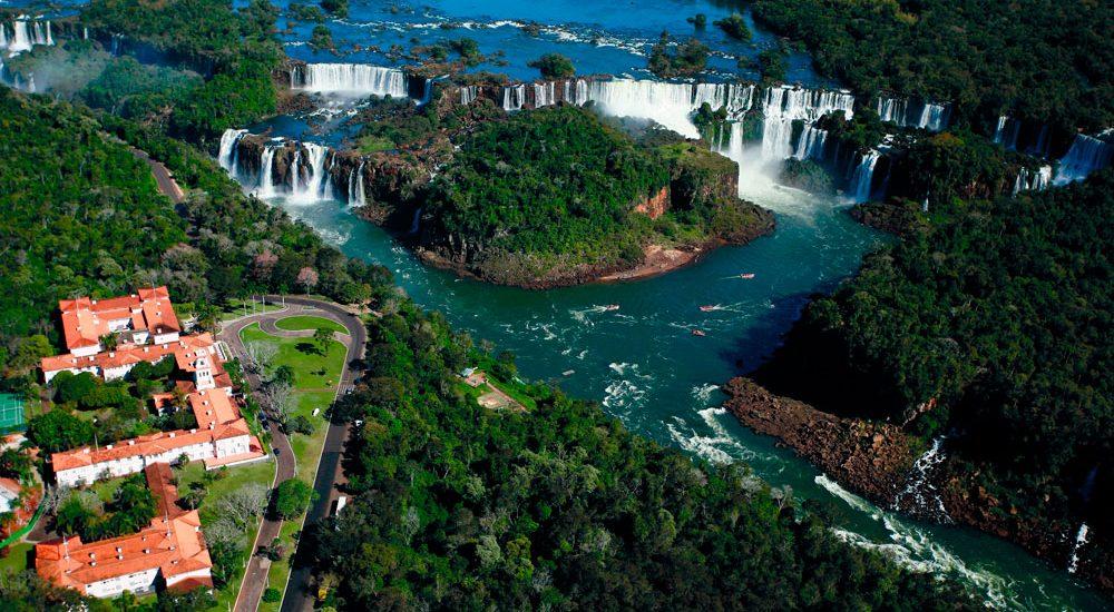 إيجواسو ساحرة برازيلية على أرض الارجنتين 1