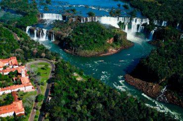 إيجواسو ساحرة برازيلية على أرض الارجنتين