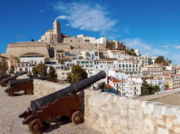 Doce motivos para viajar a Ibiza fuera de temporada