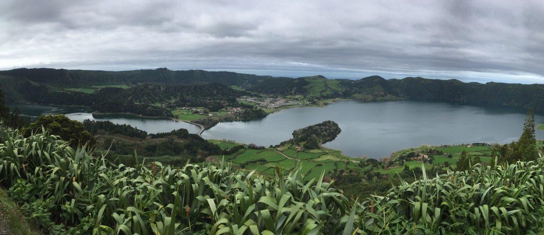 panorámica-del-lago-de-las-siete-ciudades-en-san-miguel-azores