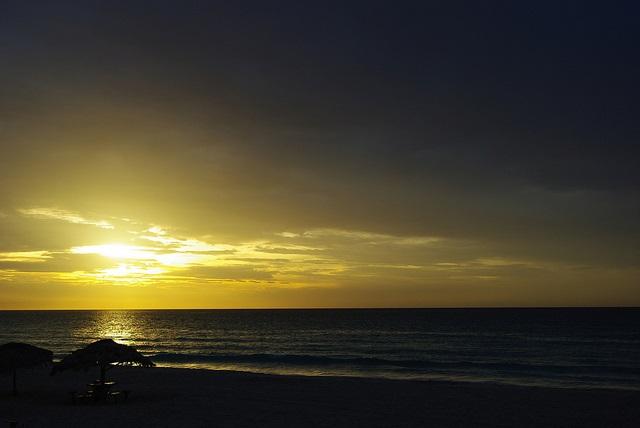 anochecer-en-la-playa-de-varadero
