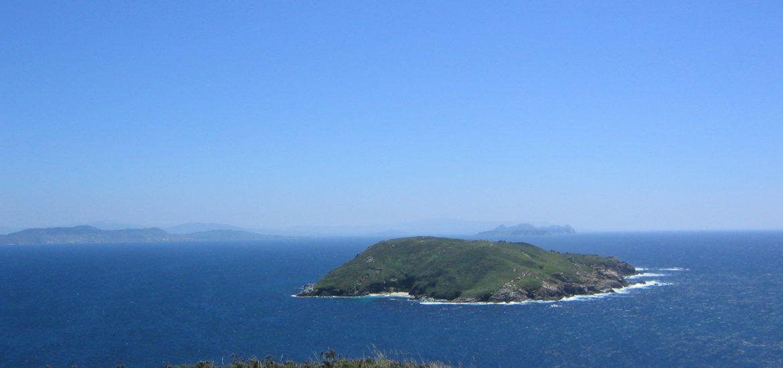 vista-de-la-isla-de-ons-en-galicia