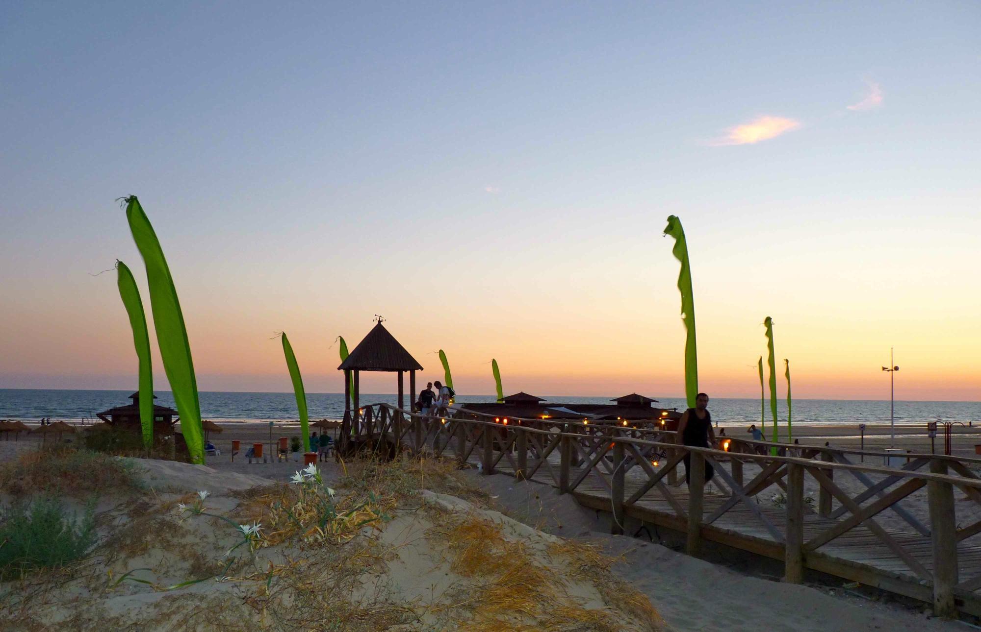 chiringuito-nahu-beach-en-cadiz