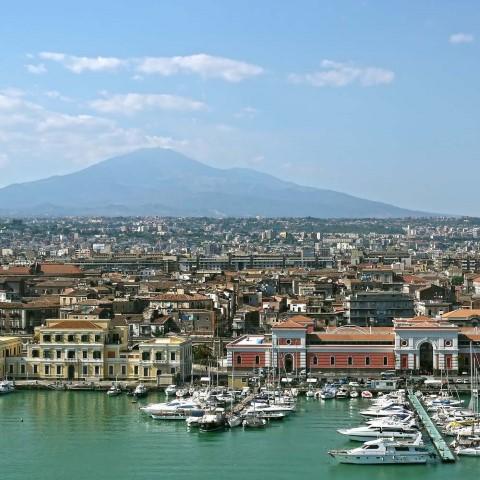 Catania-in-Sicilia