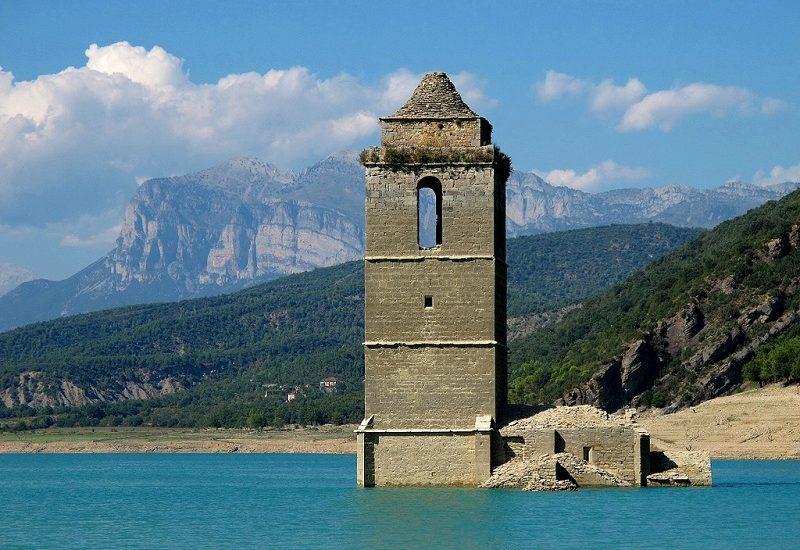 pueblo-sumergido-Mediano-en-Huesca