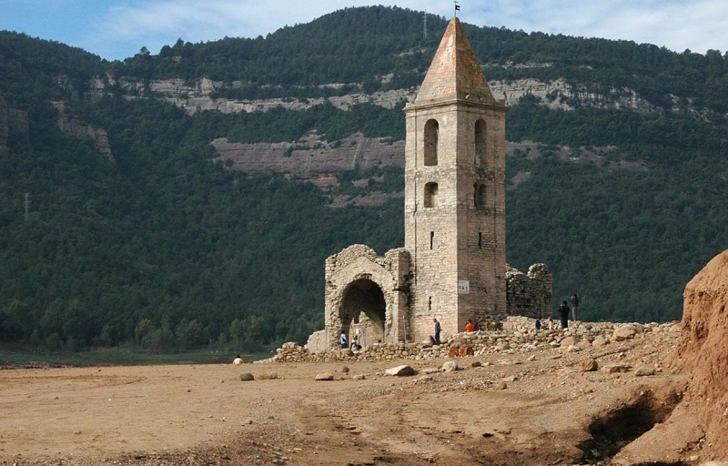 pueblo-sumergido-Sant-Romà-de-Sau-Cataluña