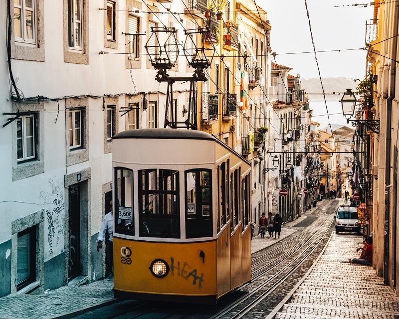 paseo-en-tranvía-en-Lisboa