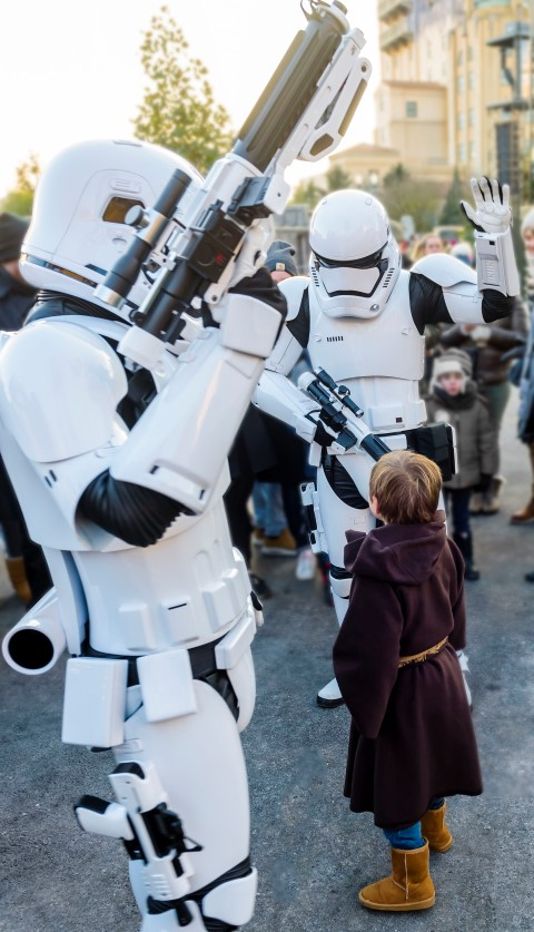 a-la-caza-del-rebelde-Star-Wars-Disneyland-Paris