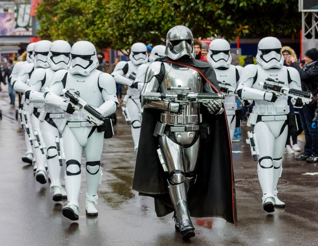 Stormtrooper-March-Disneyland-Paris